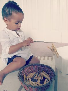 use clothespins to develop coordination, concentration, motor skills, eye-hand coordination