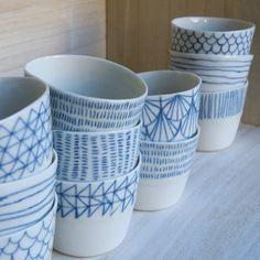 à faire soi même avec des petits bols blancs et de la peinture céramique bleue