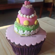 A mini cake.. On a cupcake! Life doesn't get better than this!  #bakedlove #customisedcupcakes #cakeoncupcake