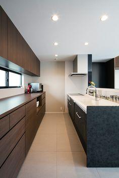 FRAME HOUSE | 注文住宅なら建築設計事務所 フリーダムアーキテクツデザイン Kitchen Pantry, Kitchen Storage, Kitchen Interior, Kitchen Design, Japanese Kitchen, Cool Kitchens, My House, Beach House, New Homes