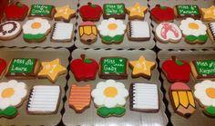 Teacher's day cookies.                              Galletas Dia del maestro
