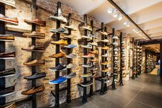 Timberland store by Green Room, Barcelona store design Shoe Store Design, Clothing Store Design, Retail Store Design, Shoe Display, Display Design, Design Art, Boutique Interior, Visual Merchandising, Clothes