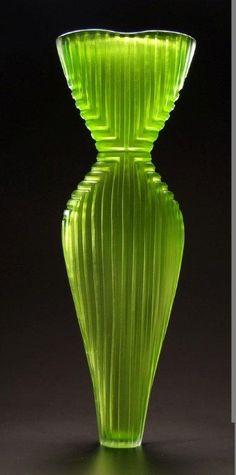 Art Deco vase. See also: https://www.pinterest.com/pattyflagler/glass-nouveau-et-deco/