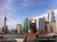 Maria støtter unge kræftramte! Drivkræftens kampagne #HOLDOMMIG er nået hele vejen til Shanghai.