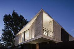 Amado Cattaneo Arquitectos - Casa Nicolai - Portal de Arquitectos Dream Home Design, House Design, Concrete Stone, Wood Glass, Home Projects, Modern Architecture, My Dream, Beautiful Homes, Bali