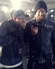 Charlie Hunnam and Ryan Hurst looking adorable! This might be my favorite picture of all time.... Haha