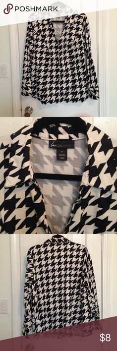 Lane Bryant Houndstooth Button Up Lane Bryant exaggerated houndstooth button up shirt. Good used condition. Lane Bryant Tops Button Down Shirts