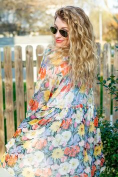 Bright Floaty Floral Babydoll Dress + Orange Heels. | Le Stylo Rouge Orange Heels, Stylish Outfits, Cute Outfits, Stylish Dresses, Babydoll Dress, Spring Outfits Women, Fashion Group, Only Fashion, Boho Fashion
