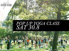 Gratis yoga i det grønne. Balance, styrke og smidighed – minus hokuspokus og urtete. #DropInYoga ved petanquebanen i #AnsgarAnlæg. #Odense #mitodense #thisisodense #Yoga Læs anbefalingen på: www.thisisodense.dk/15210/gratis-yoga-i-det-groenne