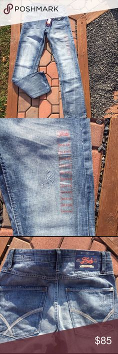 Fresh Brand Mens Distressed Jeans Size 30 X 33 New New with tags. Style is Keaton. Size 30X33. Be sure to view the other items in our closet. We offer both women's and Mens items in a variety of sizes. Bundle and save!! Thank you for viewing our item!! Fresh Brand Jeans Straight