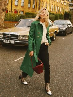 Types of coats: Lucy Williams wears a leather coat Fashion Me Now, Girl Fashion, Fashion Outfits, Womens Fashion, Fashion Trends, Fashion Spring, Fashion Coat, Knit Fashion, Ladies Fashion