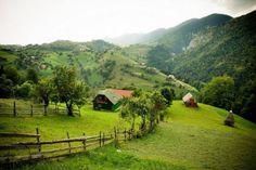 Magura village, Piatra Craiului Mountains, Brasov County, Romania photograph by Catalina Iordache 100 notes Village Photography, Visit Romania, Eastern Europe, Countryside, Beautiful Places, Scenery, Places To Visit, Country Roads, Mountains