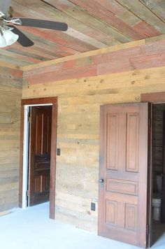 Lucys inspired Creek party house mixes different colors of reclaimed wood on the ceilings and down the walls. Wood Walls, Wood Ceilings, Cowboy Chic, Pallet Ceiling, Ceiling Plan, Barn Parties, Old Barn Wood, Distressed Wood, Cabins In The Woods