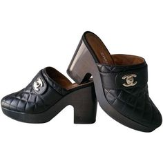 b5e3db0b49e4 Buy your leather mules   clogs CHANEL on Vestiaire Collective
