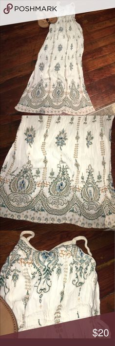 """🌸Cream maxi with turquoise print Gorgeous, EUC cream maxi dress. A little wrinkly but in excellent condition. Double slits on side, underskirt lining that hits midway down thighs, soft gauzy material with thick, woven,  rope like straps. From shoulder to hem about 48"""" Dresses Maxi"""