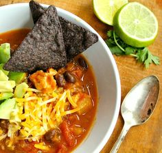 Weeknight Pumpkin and Black Bean Chicken Chili | with #slowcooker option
