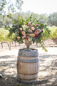 18 Summer Garden Wedding Ideas to Shine! Modern Wedding Flowers, Flower Bouquet Wedding, Trendy Wedding, Floral Wedding, Wedding Ideas, Wedding Trends, Elegant Wedding, Wedding Stuff, Dream Wedding
