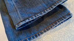 Jednoduchý trik, ako si za menej ako 15 minút skrátiť rifle u vás doma Hem Jeans, Recycled Denim, Sewing, Fabric, Dyi, Crafts, Tejido, Dressmaking, Tela