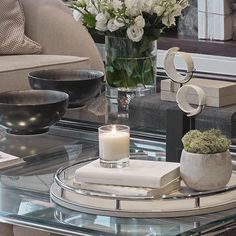 Coffee table styling in the formal living room of our Berkeley Square project. #BMDHomeDressing #homedressing #homeaccesories #accessories #styling #coffeetable #coffetabledecor #shagreen #details #detailing #interiordetails #interiorinspiration #interiors4all #interios123 #luxuryinteriors #contemporaryinteriors #bmdesign