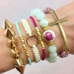 I Love Cute Fashion- Stacked Floral Bracelet Set