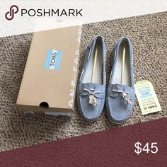 Tons! Never been worn! Toms Quincy in Chambray Dot. New with tags! TOMS Shoes Flats & Loafers
