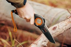 Insert man-growl here! This Fiskars knife concept is the ultimate outdoorsman's tool. Whether it's sawing or cutting with it's double-edge blade, it's designed with interchangeable ergonomics
