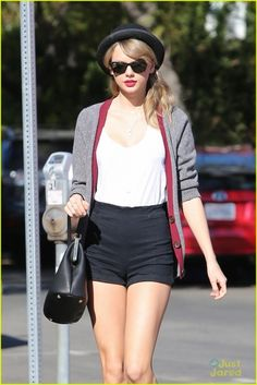 2014 > January 16 - Heading to lunch on Melrose Avenue in Los Angeles, California