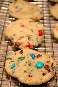 BitznGiggles: Candy & Cake Batter Sprinkle Cookies