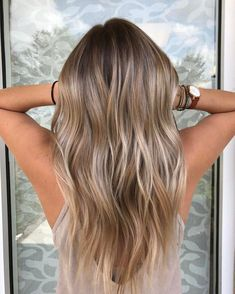 35 Balayage Hair Color Ideas for Brunettes in The French hair coloring technique: Balayage. These 35 balayage hair color ideas for brunettes in 2019 allow to achieve a more natural and modern eff. Blonde Brown Hair Color, Brown Ombre Hair, Brown Hair With Highlights, Ombre Hair Color, Hair Color Balayage, Ash Blonde, Platinum Blonde, Hair Colour, Blonde Brunette Hair