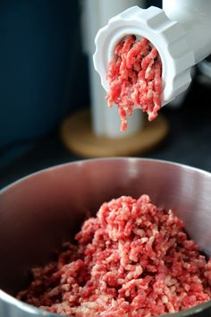 easy ground beef recipes with few ingredients - recipes using hamburger meat Recipes Using Hamburger, Dog Food Recipes, Easy Recipes, Dump Recipes, Mince Recipes, Dump Meals, No Cook Meals, Quick Meals To Make, Easy Meals