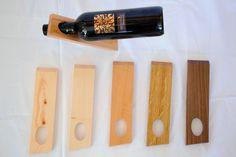 Das geradlinige Design lässt die Weinflasche optisch schweben. Der Weinständer aus massiven Edelhölzern (Ahorn, Buche & Eiche) ist fein geschliffen und eingelassen. Eignet sich nur für 0,7l Flaschen. Knife Block, Wine Rack, Storage, Design, Home Decor, Wood Columns, Wine Bottles, Home Decor Accessories, Oak Tree