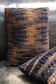 """Coussins """"SAFARI"""" et """"SENEGAL"""" entièrement tricotés et tissés à la main / """"SAFARI"""" and """"SENEGAL""""hand-knitted and hand-weaved cushions sur www.maisonducoussin.fr/boutique. Photo Céline Serein"""