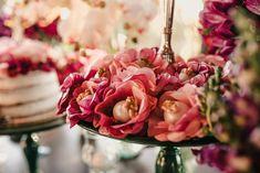 Poliana e Gustavo | Um mini wedding romântico e boho para te inspirar Boho Chic, Naked Cakes, Crown, Mini, Pie Wedding Cake, Bunting Garland, Cake Ideas, Weddings, Sweets