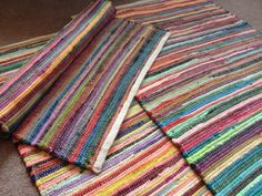 Fabulous Hand Loomed Multi Colours Recycled Cotton Rag Rug x Weaving Textiles, Weaving Patterns, Weaving Projects, Tear, Striped Rug, Fabric Strips, Rug Hooking, Locker Hooking, Loom Weaving