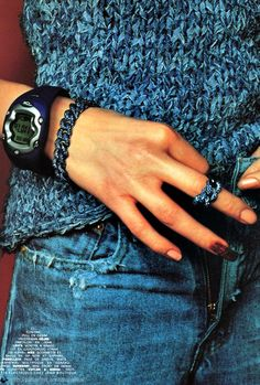 """""""L'essentiel Est Dans L'accessoire"""", Vogue na notice the nails Mario Testino, Everyday Look, Everyday Fashion, Sexy Outfits, Cute Outfits, Denim Ideas, Love Jeans, Sporty Chic, Something Blue"""