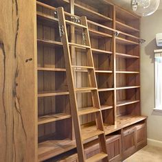 antik m bellager regal b cherregal nussholz antik. Black Bedroom Furniture Sets. Home Design Ideas