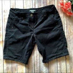 I just discovered this while shopping on Poshmark: ❗️$10 SALE❗️ Ann Taylor Bermuda Shorts. Check it out! Price: $10 Size: 10