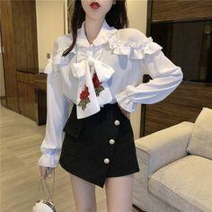Ulzzang Fashion, Kpop Fashion Outfits, Korean Outfits, Asian Fashion, Girl Fashion, Cute Sporty Outfits, Stylish Outfits, Pinterest Fashion, Business Fashion
