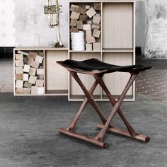 ole wanscher drew his inspiration from ancient egypt and thebes when designing the egyptian folding chair ch 110 office desk carl