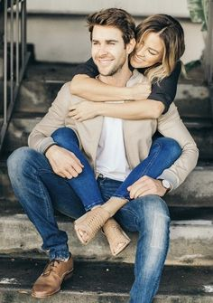 schattige paar foto's - 💋 schattige paar foto's - 💋 - Cute Romantic Love Quotes The Perfect Pair [Of Shoes] Photo Poses For Couples, Poses Photo, Couple Picture Poses, Cute Couples Photos, Engagement Photo Poses, Photo Couple, Cute Couple Pictures, Couple Pics, Engagement Photography