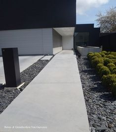 Go and visit our website page for much more that is related to this remarkable modern driveway Concrete Driveway Paint, Concrete Driveways, Concrete Patio, Modern Driveway, Driveway Design, Modern Landscaping, Pool Landscaping, Garden Landscape Design, Landscape Architecture