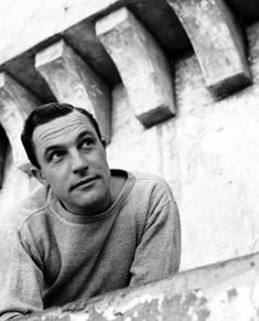 Alfred Eisenstaedt, Portrait of Gene Kelly, 1949 Gene Kelly, Fred Astaire, Classic Hollywood, Old Hollywood, Hollywood Stars, Dance Dreams, Meet Girls, Tv Show Quotes, Black And White Portraits