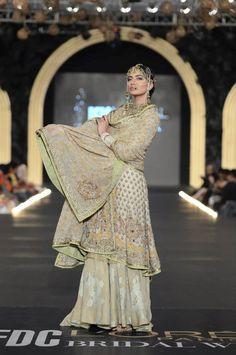 Fahad Hussayn's The Great Mutiny {L'Oreal Pakistan Bridal Fashion Week Indian Gowns, Indian Wear, Indian Style, Pakistani Outfits, Indian Outfits, Pakistan Bridal, Asian Bridal, Desi Clothes, Bridal Fashion Week