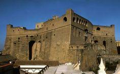 Castel Sant'Elmo. Napoli. Voluto da Pedro de Toledo durante il suo mandato (1532-1553). Costruito da Pedro Luis Escrivá dal 1537 al 1546. Vi fu rinchiuso Tommaso Campanella agli inizi del '600 e vi furono giustiziati gli insorti della Repubblica del 1799