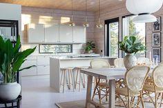 Diy Kitchen, Kitchen Interior, Kitchen Dining, Kitchen Decor, Cabin Kitchens, Modern Rustic Interiors, Log Homes, House Rooms, Interior Inspiration