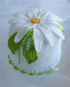 "Crochet daisy hat - Yarn: - hooks № and - satin ribbon - beads. The choice of yarn is not accidental: a dense ""Lotus"" gets ""persistent"" nemnuschiesy Crochet Kitchen, Crochet Home, Crochet Crafts, Crochet Projects, Crochet Daisy, Love Crochet, Crochet Flowers, Knit Crochet, Knitting Patterns"