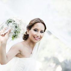 Profesyonel Düğün Fotoğrafçısı Atilla Oral Düğün Fotoğrafçılığı sektöründe İstanbul başta olmak üzere Türkiye'nin tüm şehirlerine hizmet vermektedir. +90 532 528 08 62