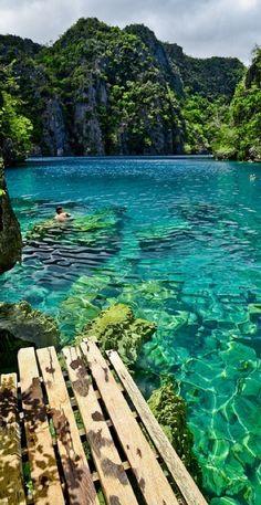 Kayangan Lake in the Coron Islands of Palawan, Philippines • photo: Emilio III Maranon on Flickr