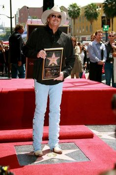 Five years ago today Alan received his star on the Hollywood Walk of Fame! Country Music Artists, Country Music Stars, Country Singers, Hollywood Boulevard, Hollywood Walk Of Fame, Allen Jackson, Classic Singers, Jackson Music, My Favorite Music