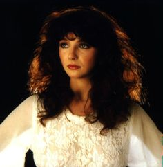 """Kate Bush - """"Hounds Of Love"""" I notice a big presence in recent posts. Maybe a bit odd considering my view on this musicall. Kate Bush Wuthering Heights, Chloe Grace, Selena Gomez, Taylor Swift, Ariana Grande, Chloë Grace Moretz, Hounds Of Love, Women Of Rock, Vintage Mode"""